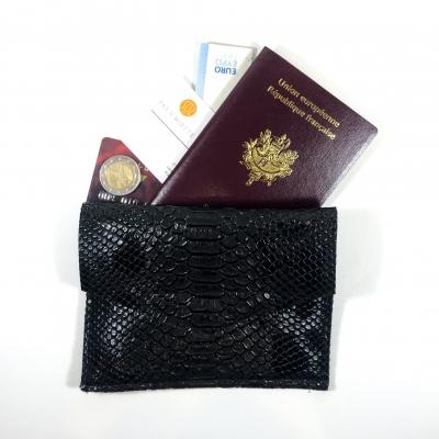 Porte monnaie, passeport, carte identité, simili cuir python noir