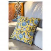 Coussin Motifs Indien blockprint jaune safran et gris grosses fleurs